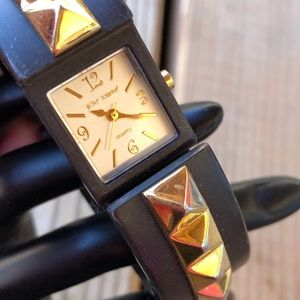 🎁 Betsey Johnson Hinged Hidden Bracelet Watch!